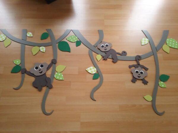 aapjes aan lianen